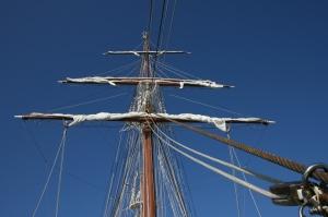 Aún se dan instrucciones para los barcos de vela en algunos derroteros (Fotografía: Alfonso Hernández)