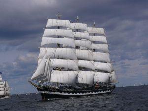 El Kruzenshtern, antiguo Padua. Este enorme velero pertenece en la actualidad a Rusia