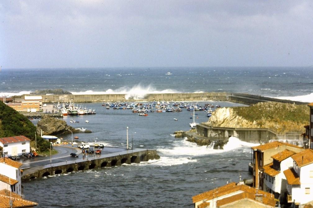 Buscar refugio cuanto antes, nos puede evitar pasarlo mal en la mar (Fotografía: Alfonso Hernández)